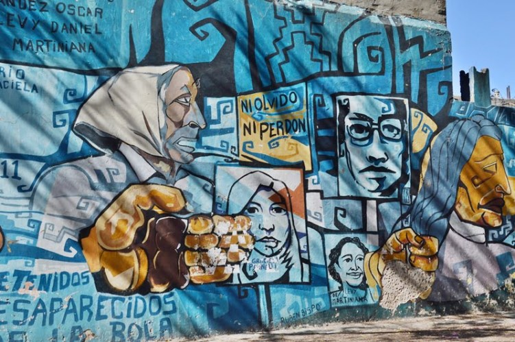 граффити в синих тонах
