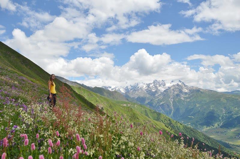 Панорама гор в Грузии