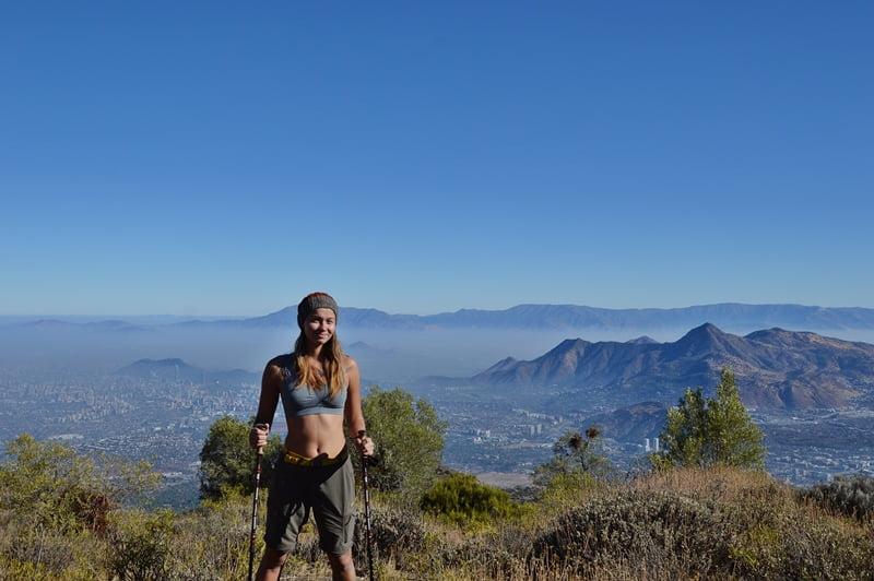 Хайкинг в горах над Сантьяго