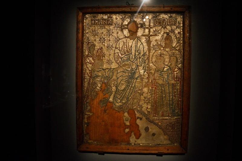 Шелковая икона из Местии