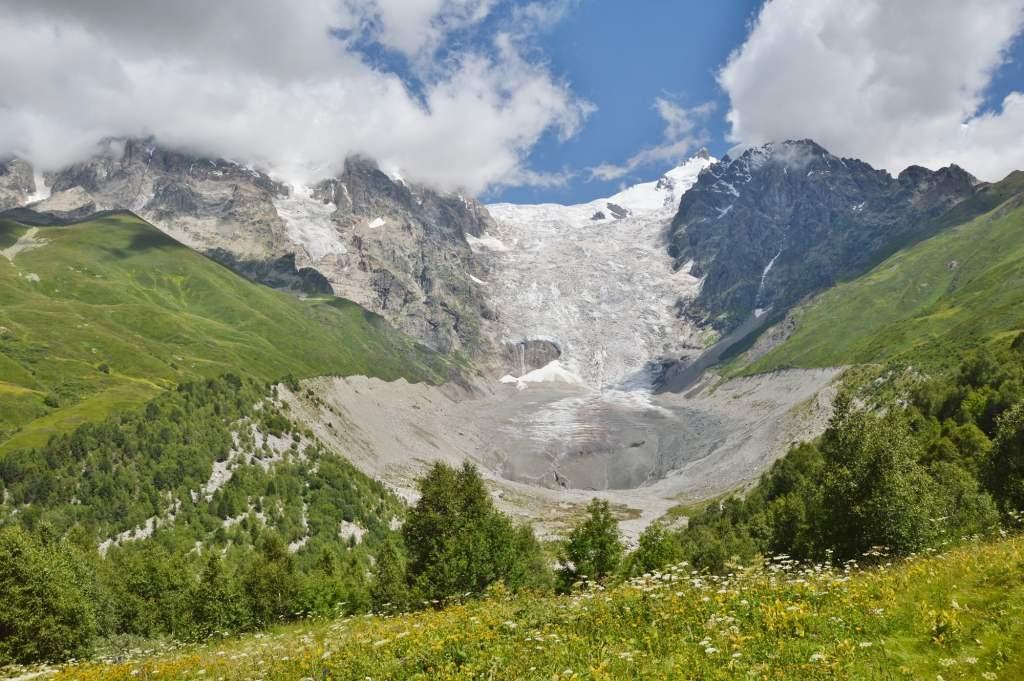 ледник в Адиши