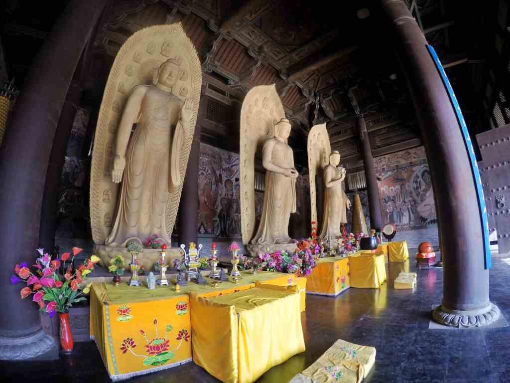 интерьер китайского храма