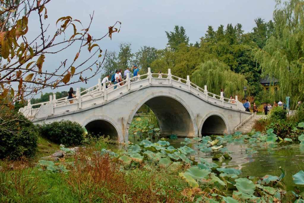 Мост в китайском стиле