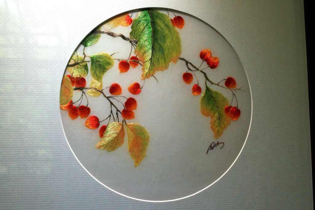 Рябина на ветке, картина в музей Сучжоу