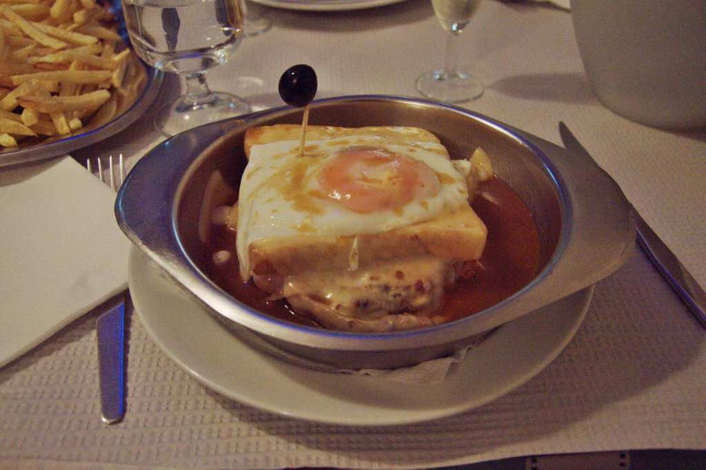 Португальская кухня - францезинья
