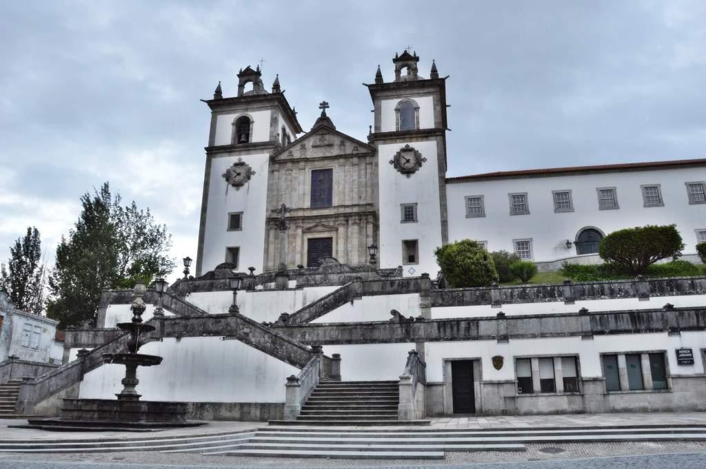 Церковь католическая