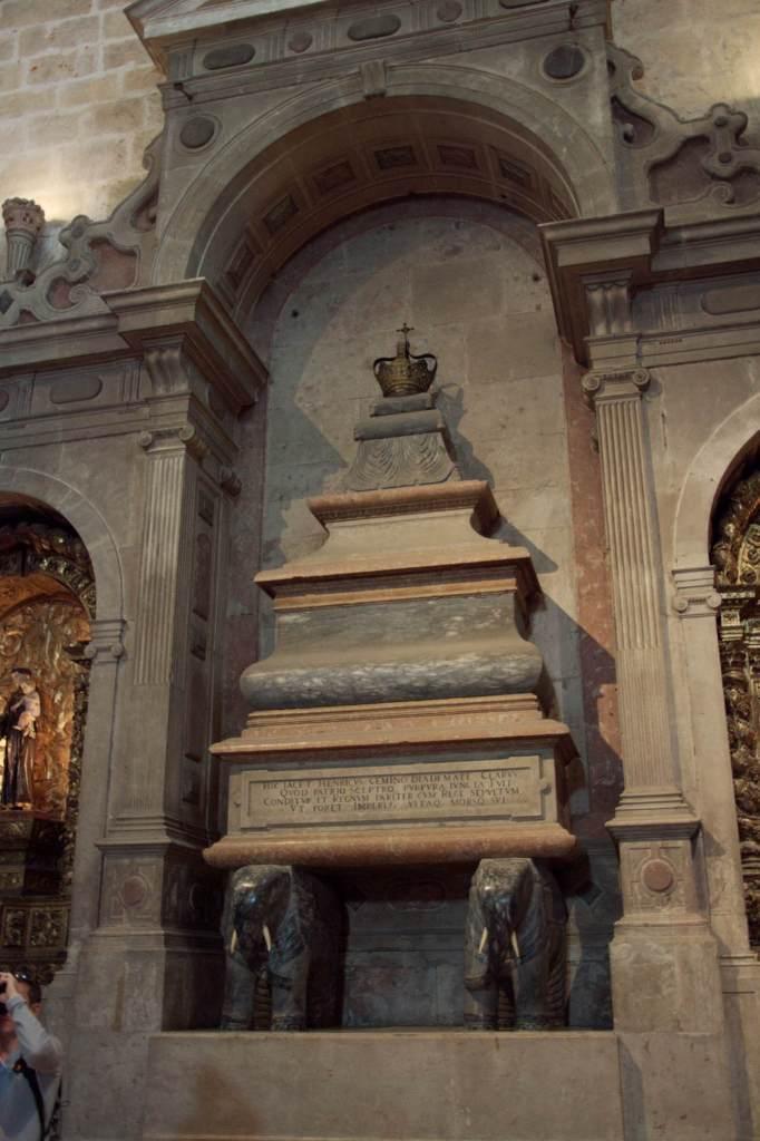 могила короля Мануэля первого