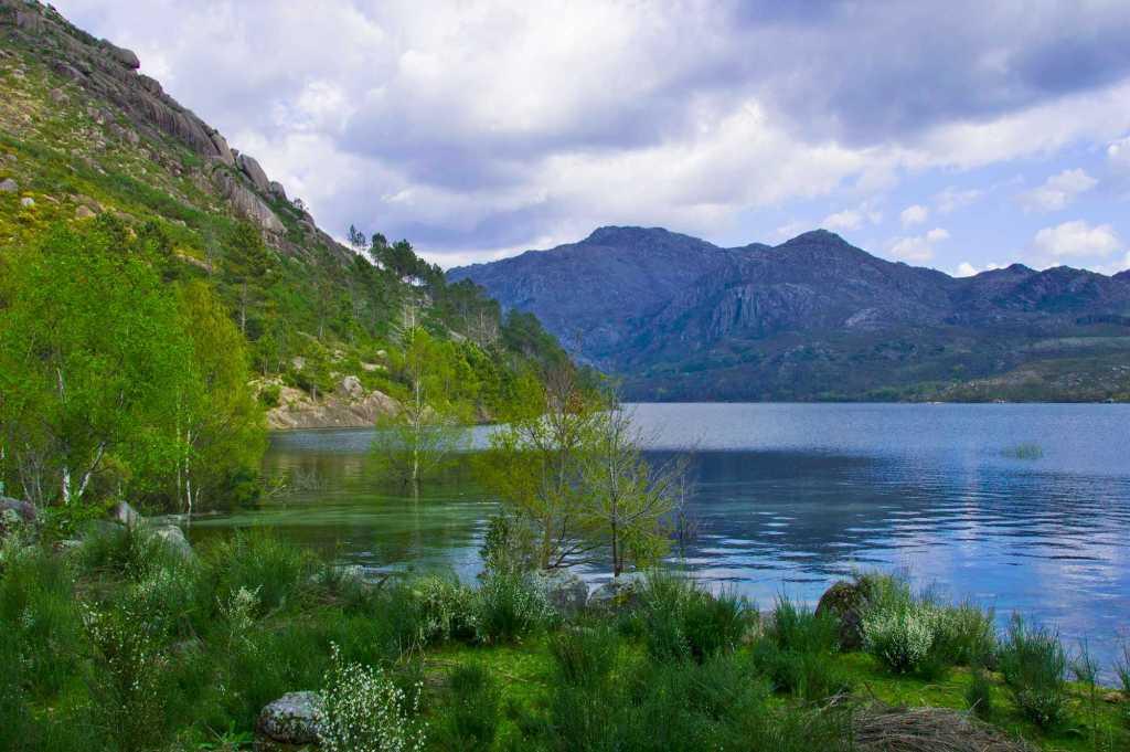 Озера округ Брага