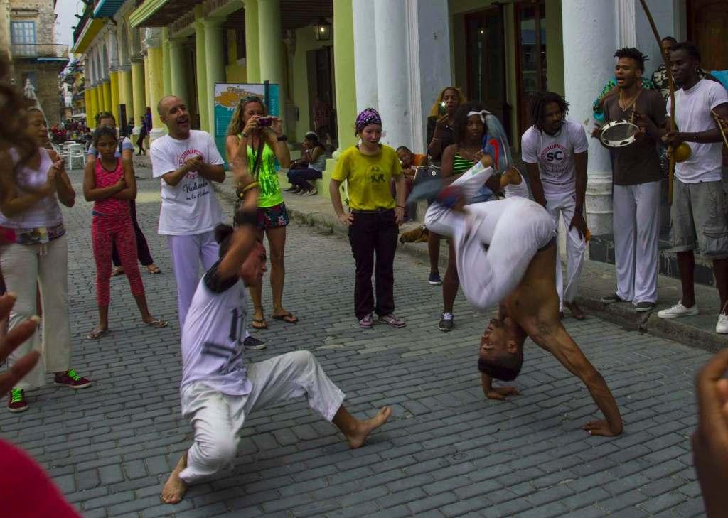 Танцы на Кубе