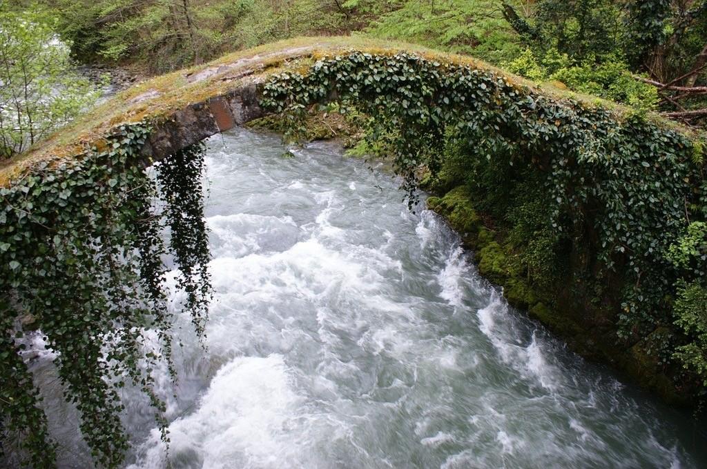 арочный мост  аджария