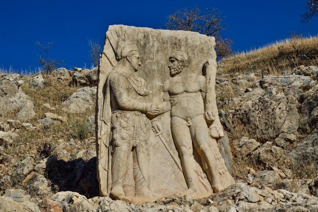геракл и антиох — скульптура