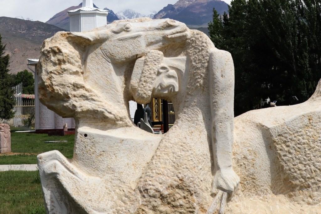 скульптура в Рух Ордо