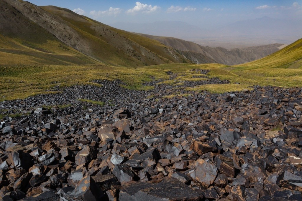 Ущелье Ферганского хребта