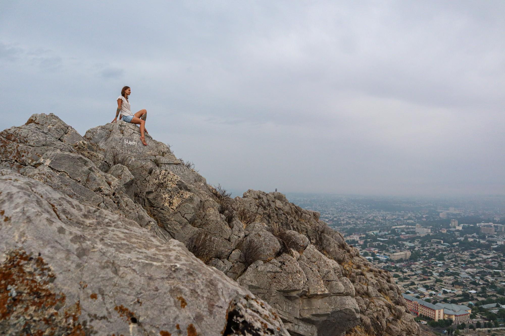 На вершине Сулейман-тоо