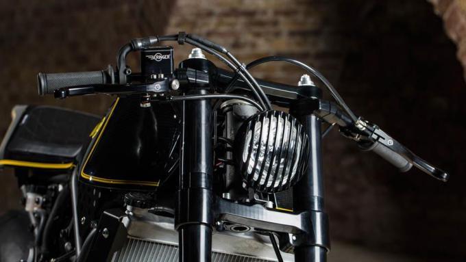 XSR700カフェレーサー
