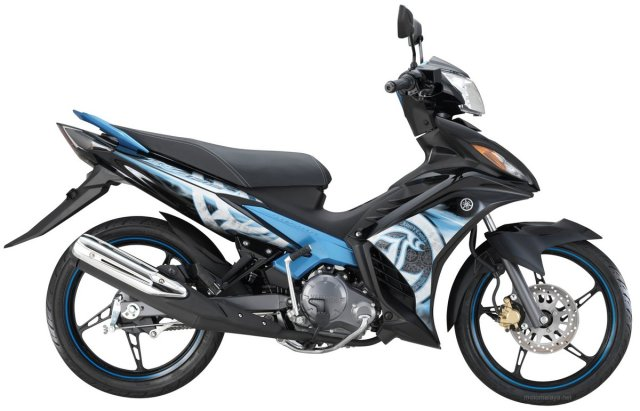 6-2014-Yamaha135LC-4S-black-blue