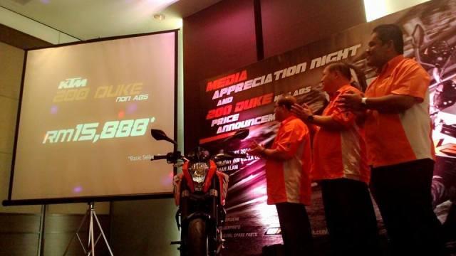 2014-KTM-200-Duke-Non-ABS (2)