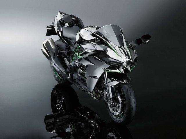 2015-Kawasaki-Ninja-H2-003