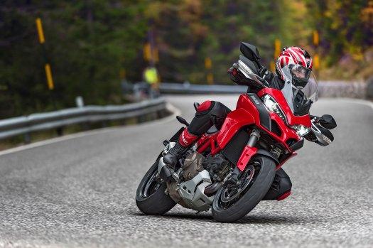 2015-Ducati-Multistrada-1200S-DVT2