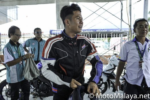 MM_Honda_RS150R_test-ride_On_track