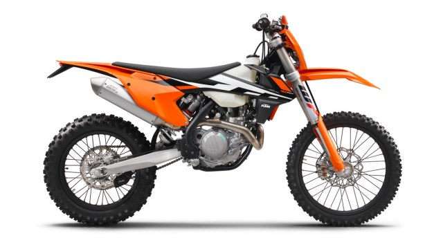 142486_ktm-450-exc-f-90de-right-my2017-studio