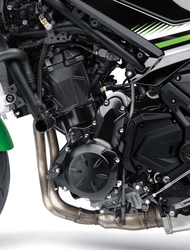 2017-kawasaki-z650-engine-01