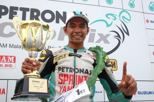 ahmad-fuad-juara-keseluruhan-pertama-cp130-2009