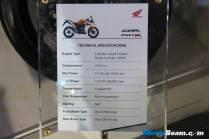 2012_Honda_CBR150R_10