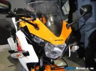 2012_Honda_CBR150R_14