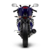 2014-Yamaha-YZF-R125-EU-Race-Blu-Studio-004(1)