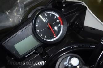 Yamaha YZF-R15, Dashboard
