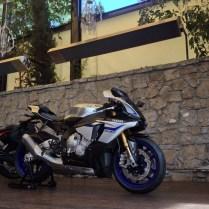 2015-Yamaha-R1_3