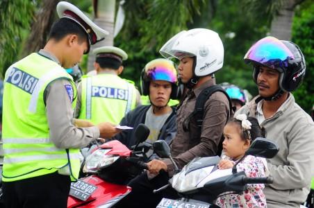 tilang-polisi-ri