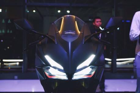 CBR150RR headlamp1