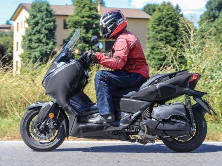 Yamaha-XMax-250-otobikers-2