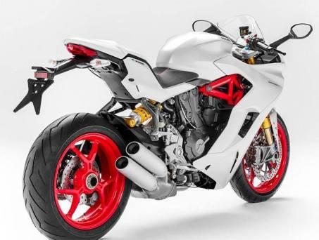 2017-ducati-supersport-939-1