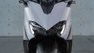 2020-Yamaha-TMAX-560-scooter-motomaxone (3)