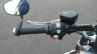 triump rocket 3 motomaxoneblog gas motorcycle (7)