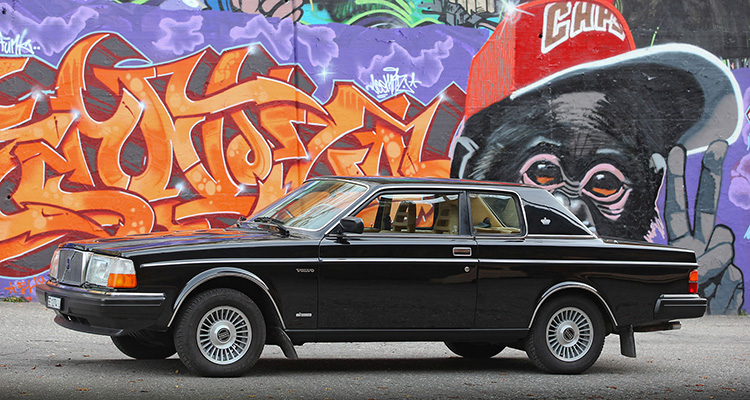 bowie volvo 262c auction side