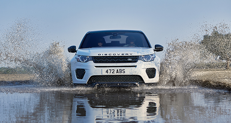 Land Rover Discovery Sport Landmark Edition front 1