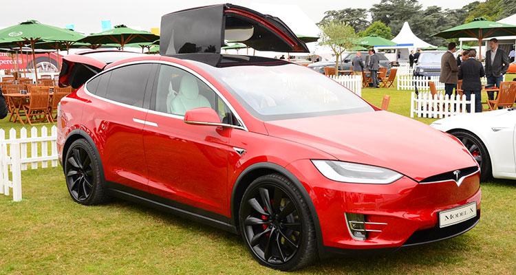 Mercedes EQC Better Than Tesla's Model X 4