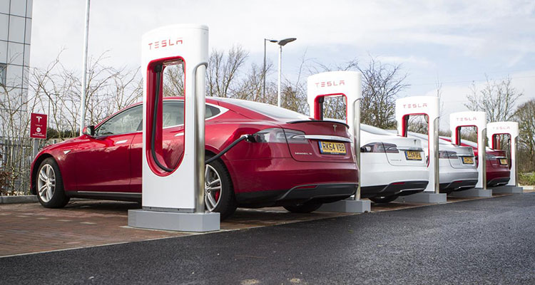 Just How Quickly Can You Charge Electric Cars? | Motor ...