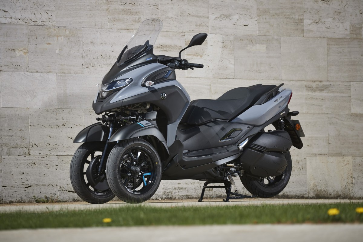 Yamaha Tricity 300: Three wheels Motorcycles for city and highway