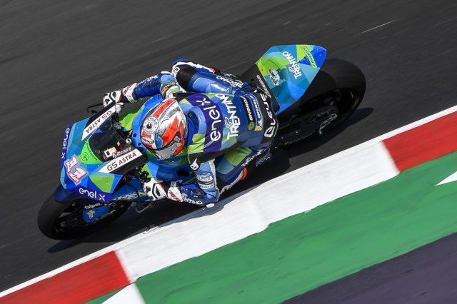 Matteo Ferrari gana y se pone líder de MotoE en Misano