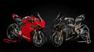 Panigale-V4R-Red-MY19-11-Gallery-906x510