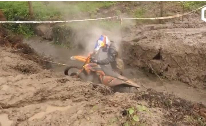 Vídeo EnduroGP Portugal, Lama, lama e mais lama!