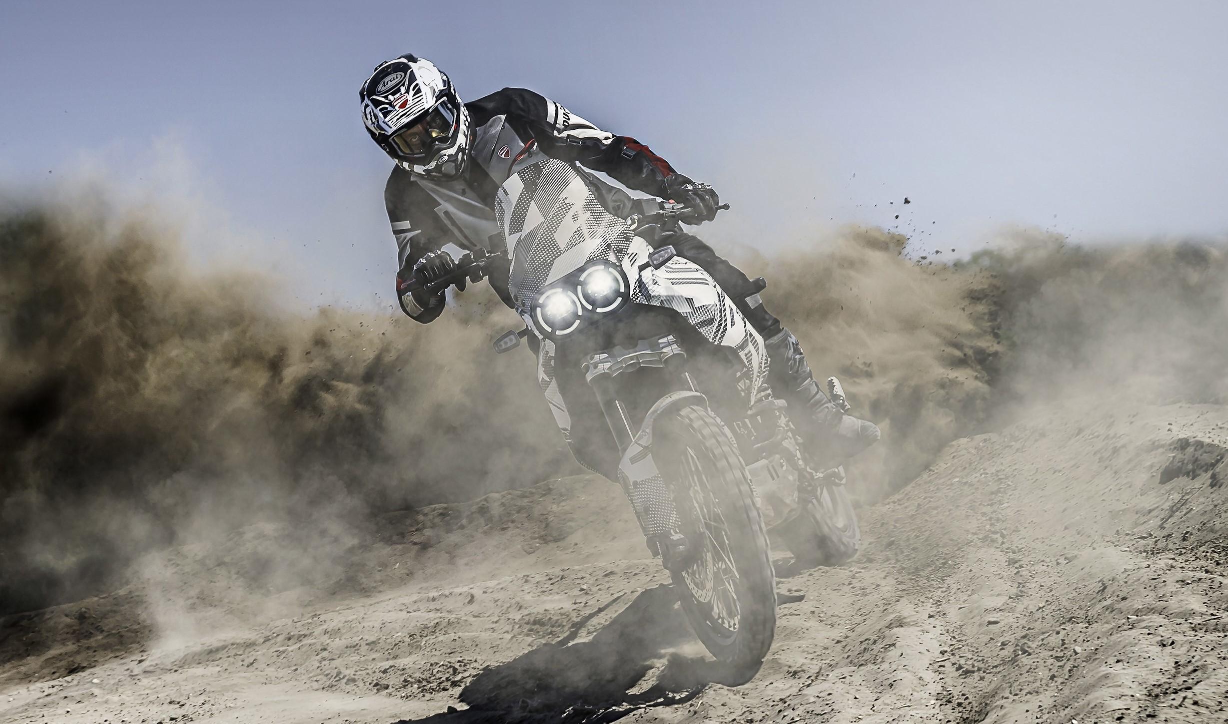 Ducati DesertX 2022 confirmada para dezembro
