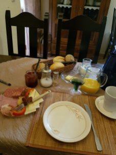 Decent breakfast