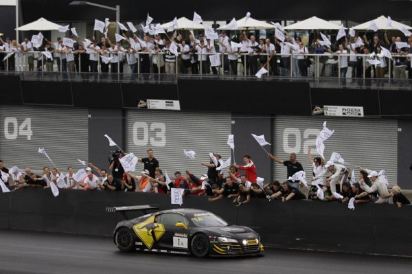 2012-Audi-R8-LMS-defends-title-at-Bathurst-LeMans-Series