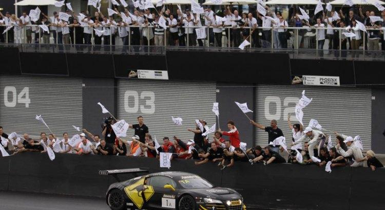 2012-Audi-R8-LMS-defends-title-at-Bathurst-LeMans-Series